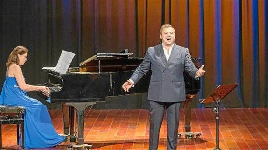 Can Jeroni acoge un concierto de la pianista Elvira Ramón y del tenor Carlos Tur