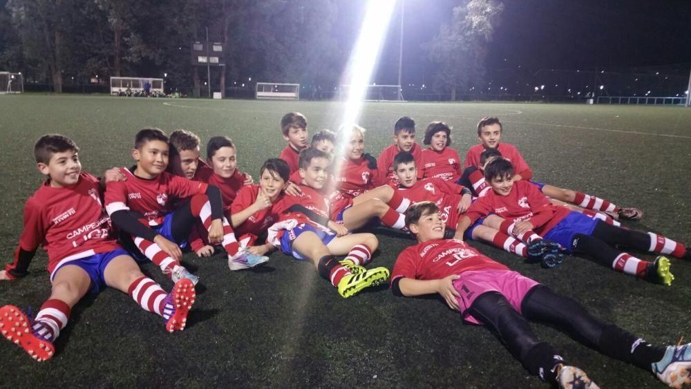 El equipo arousano, entrenado por Eduardo Carregal, nuevo campeón del Grupo A de la categoría alevín de fútbol 11 gracias a su victoria a domicilio ante el Lérez