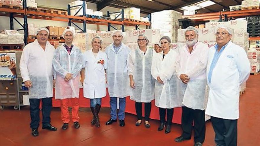 Trabel promociona la batata y naranja de la Isla en sus productos de pastelería