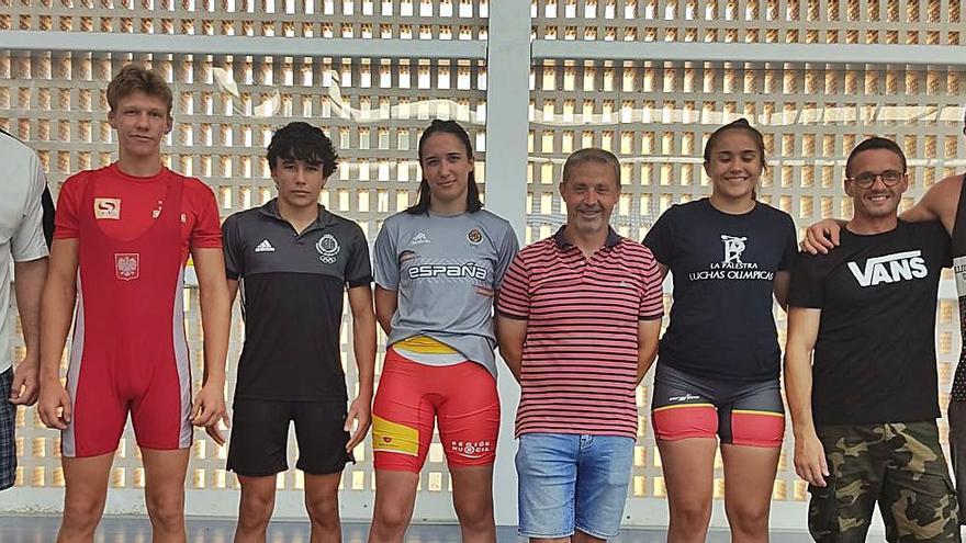 Carla Lera prepara el Europeo júnior en un campus en Ibiza a cargo del MMA Team