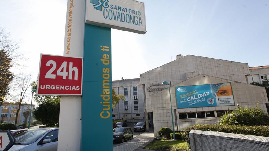 Dos robots gestionarán citas en el nuevo Hospital Covadonga, que habilitará videoconsultas
