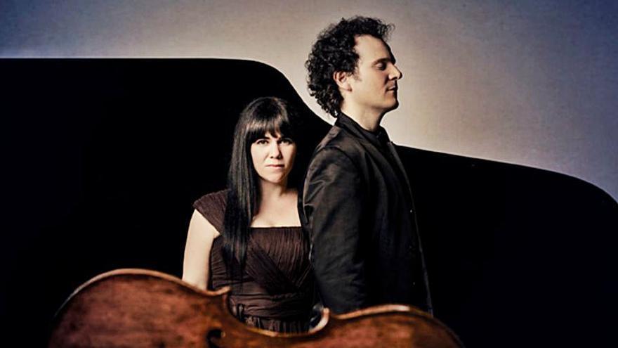 El Dúo Cassadó realiza un concierto en Ourense