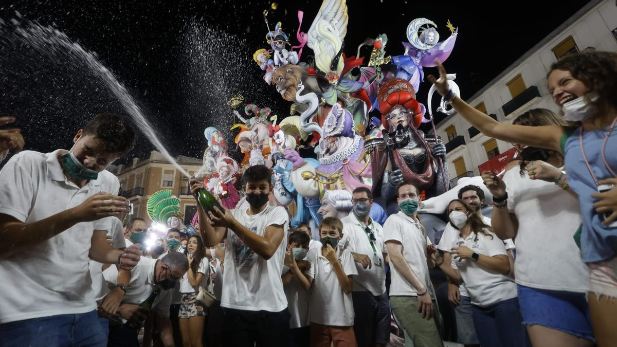Convento Jerusalén celebra su primer premio de Especial en las Fallas 2021