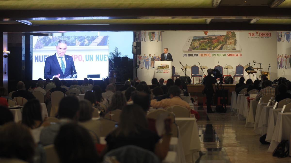 Elías Bendodo interviene en el congreso de Comisiones Obreras.