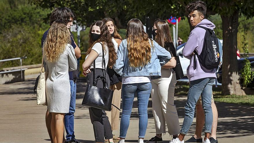 Los jóvenes de Baleares, más críticos con la gestión de la crisis que los adultos
