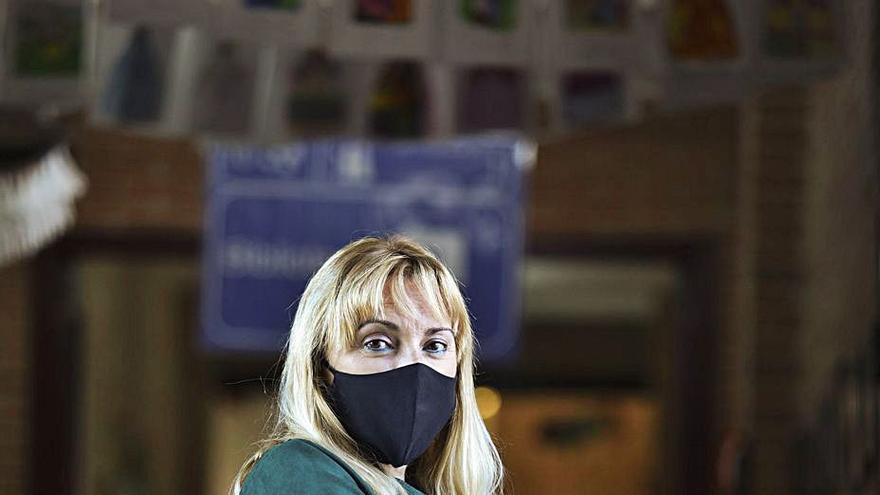 """Teresa López: """"El alumnado nos está dando una gran lección a todos con el uso de la mascarilla, aún sonríen"""""""