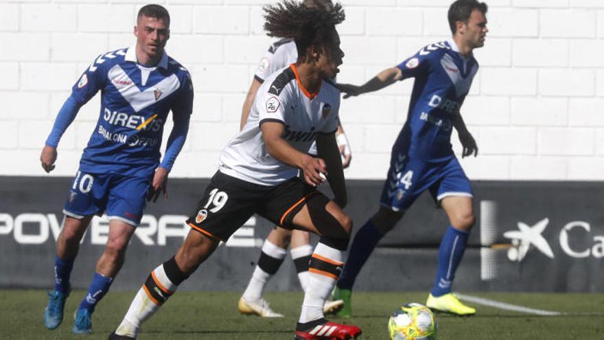 El Mestalla se juega la salvación sin Hugo Guillamón