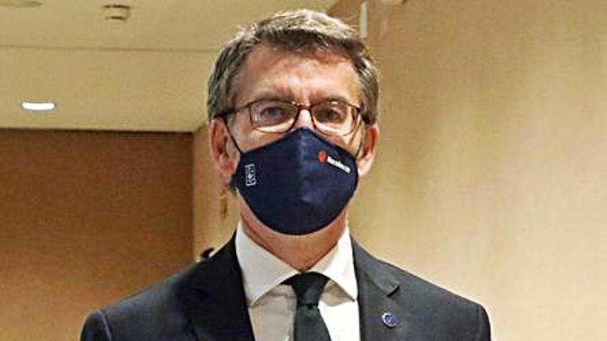 Feijóo niega su intención de liderar el PP tras criticar cómo quiere Casado reactivar el partido