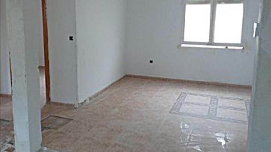 50.000 € Venta de piso en Camp Redó (Palma de Mallorca) 47 m2, 1.064 €/m2, 2 Planta...