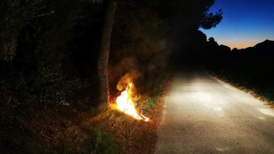 Una sucesión de incendios activa todas las alarmas en Moixent