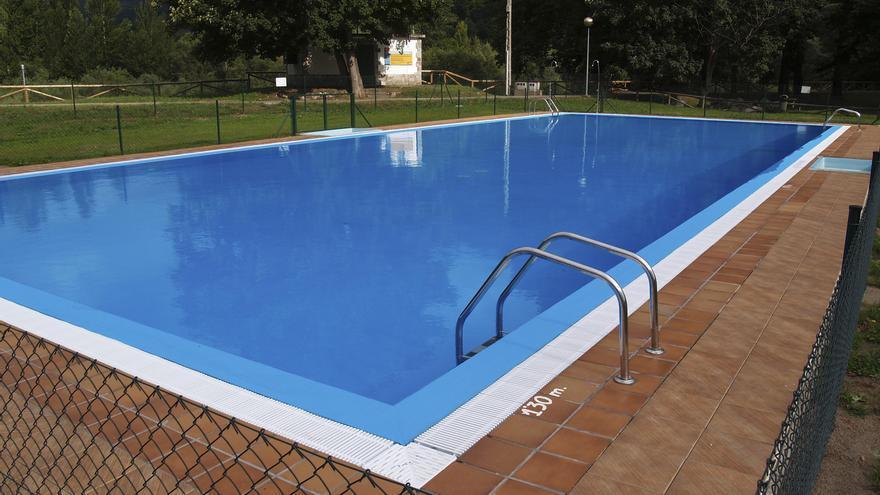 Peñamellera Baja abre sus piscinas