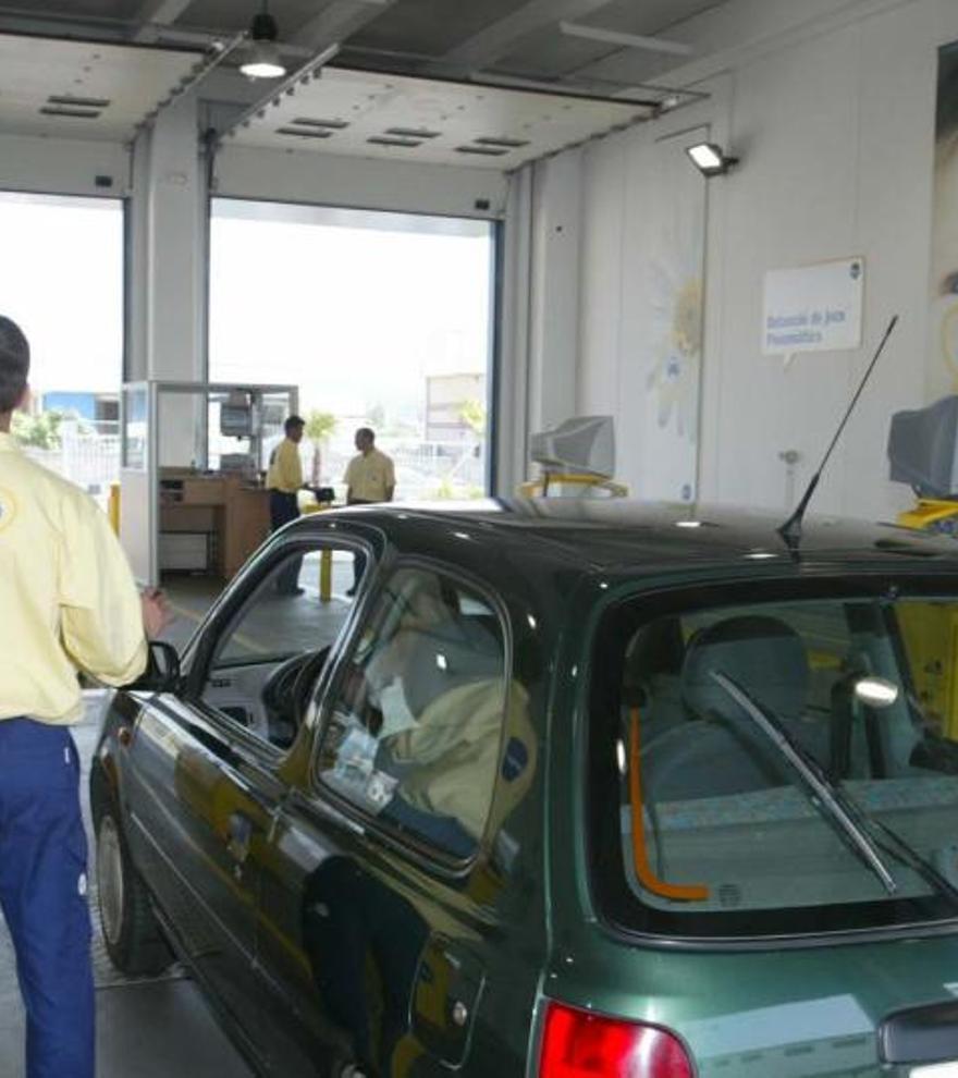 Em poden multar per tenir el cotxe aparcat sense haver passat la ITV?