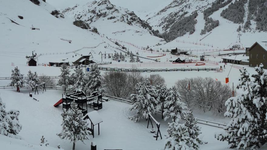 Dues persones moren en dos accidents mentre practicaven esports d'hivern al Pirineu