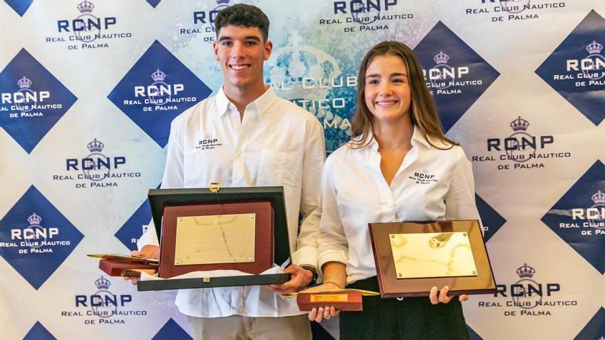 El RCN Palma homenajea a los medallistas Álex Graneri y Carla Vey