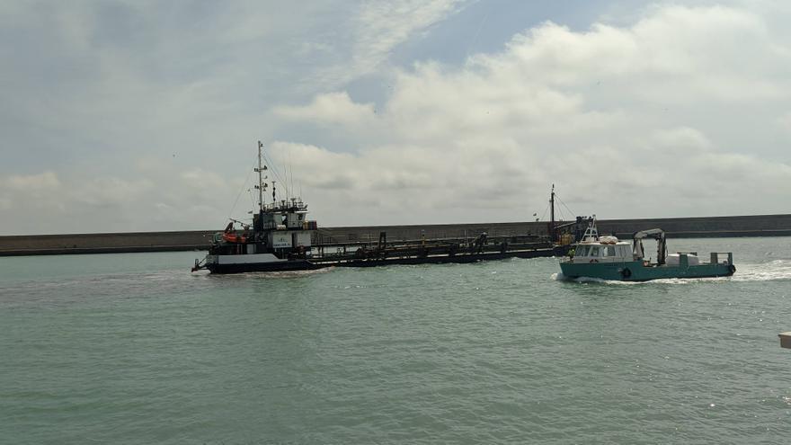 El Consell ejecuta los trabajos de dragado en el puerto de Burriana
