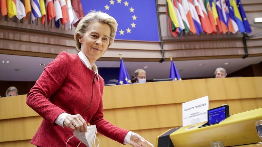 """Von der Leyen defiende """"amar libremente"""" en la UE"""