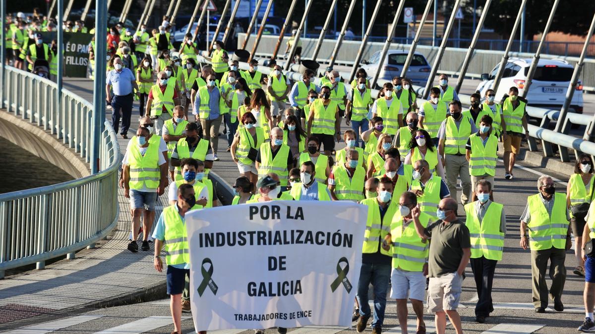 Manifestación de los trabajadores convocada por el comité de oficinas.