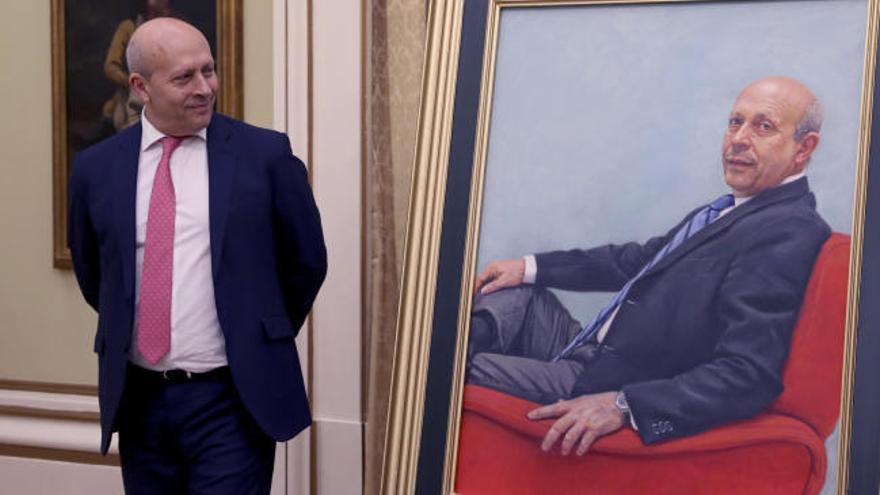 El retrato de Wert llega al Ministerio con polémica