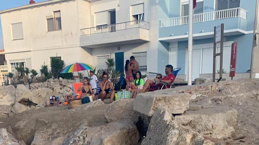 Los vecinos de les Deveses de Dénia se manifestarán para denunciar el abandono de la playa