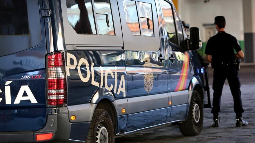 Un hombre mata presuntamente a su mujer con un martillo en Madrid