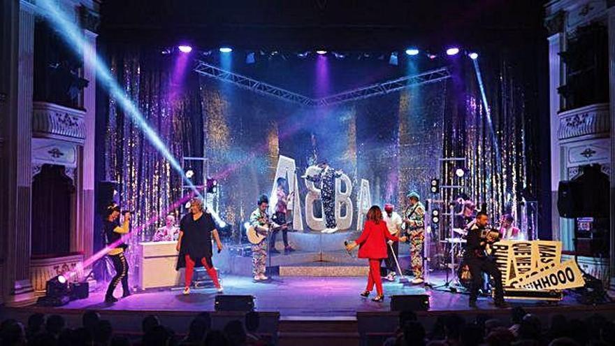 La música de ABBA suena en el Teatro Principal