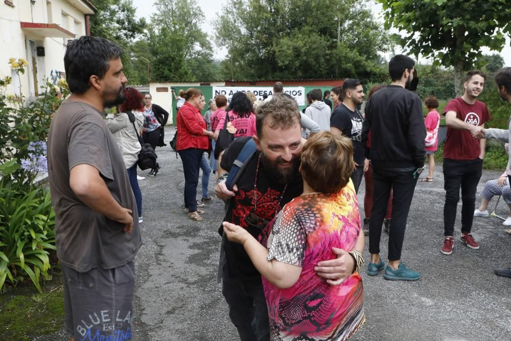 Acción solidaria con vecinos de La Camocha
