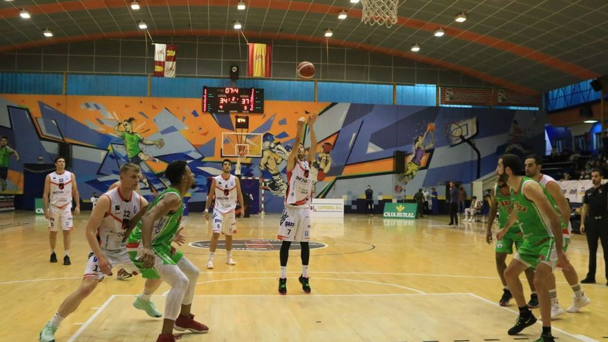 Gran victoria del CB Zamora - Innova Chef (81-73) a través de la defensa