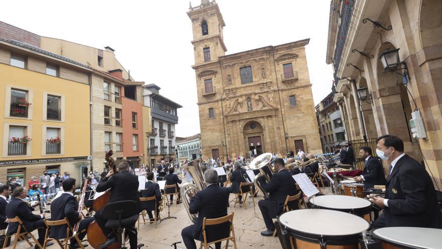 Concierto de la Banda de Música de Santiago de Compostela en Oviedo