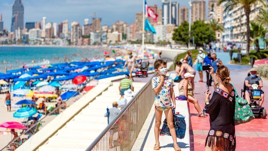 Las reservas hoteleras caen un 10% por los rebrotes y el temor a nuevas restricciones