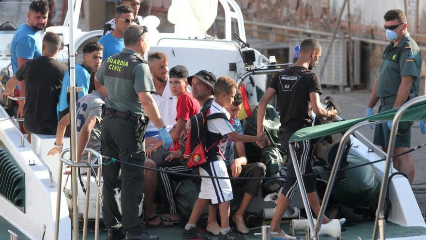 Guerra de cifras por los menores extranjeros no acompañados en la Región