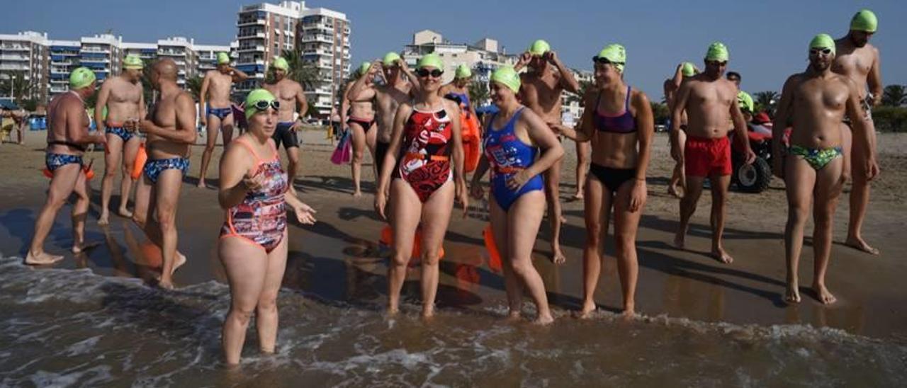 Reciente travesía a nado en la playa del Port de Sagunt.