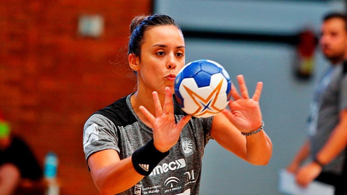 Paula García está en la fase final de la recuperación de su lesión en la mano. | LA OPINIÓN