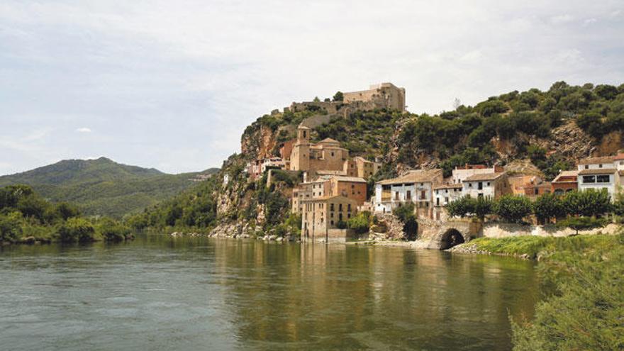 Ruta per castells medievals. La imaginació no entén de muralles
