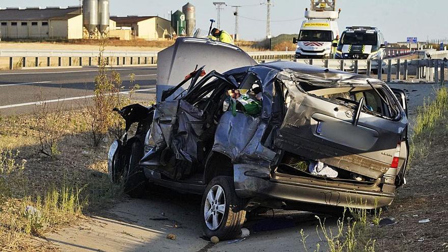 Un accidente en la A-66 en Montamarta deja dos heridos leves
