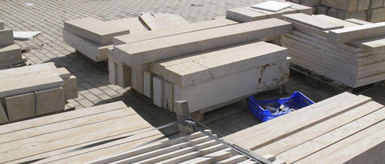 Gandia rescata la obra paralizada de la plaza del Tirant para acabarla  en seis meses