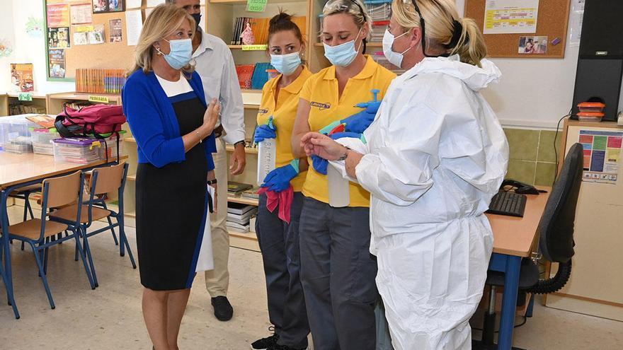 Una empresa local desinfectará los centros educativos de Marbella durante el año