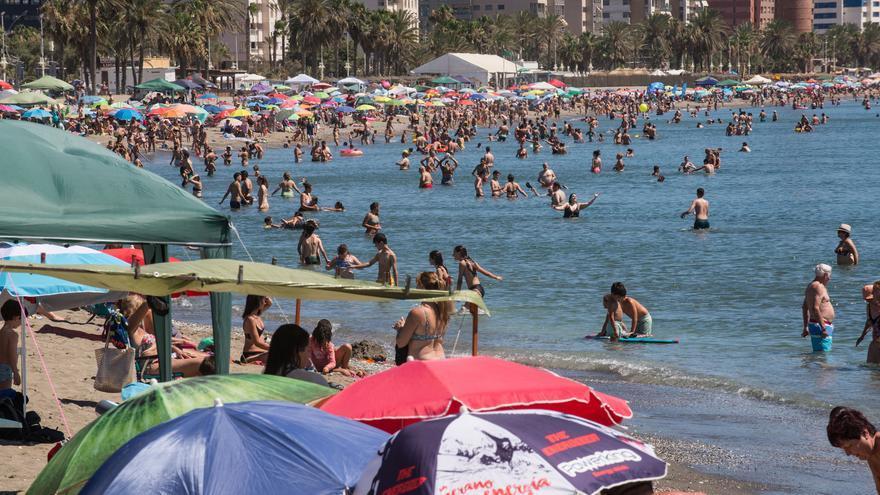 Tras el terral, llega una masa de aire africano a Málaga