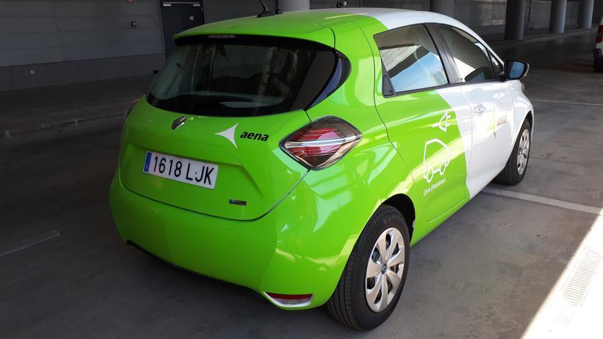 Aena incorpora cinco vehículos eléctricos para los movimientos en las pistas