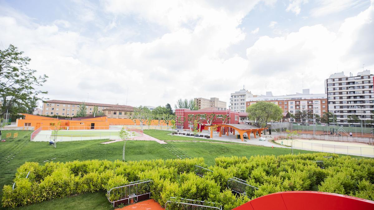 La piscina de Gran Vía reabre sus puertas tras la renovación integral de sus instalaciones.