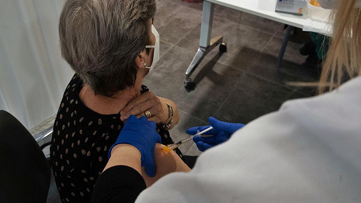 Vacunación en el Teatro Ramos Carrión de la capital zamorana.