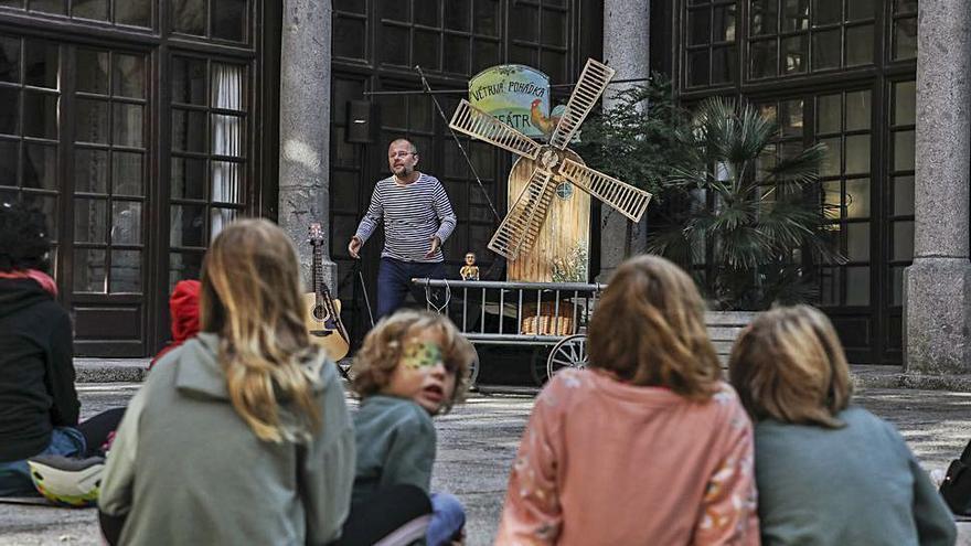 """""""El cuento del viento""""  en el Festival de Títeres y Marionetas"""
