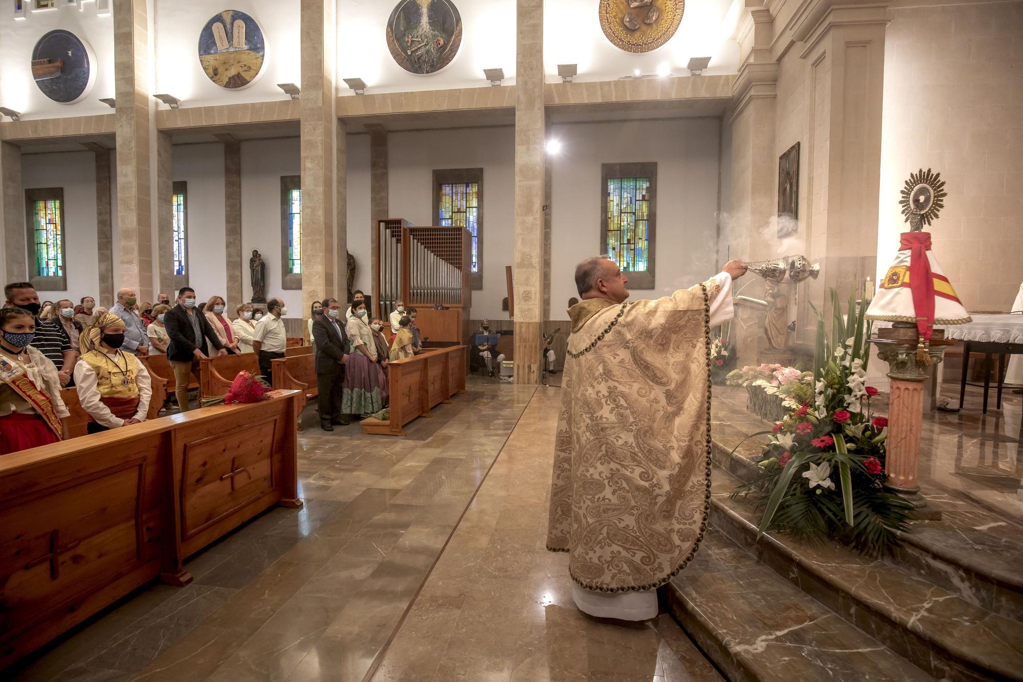 El Centro Aragonés de Mallorca celebra el Día del Pilar con una misa y una ofrenda de flores