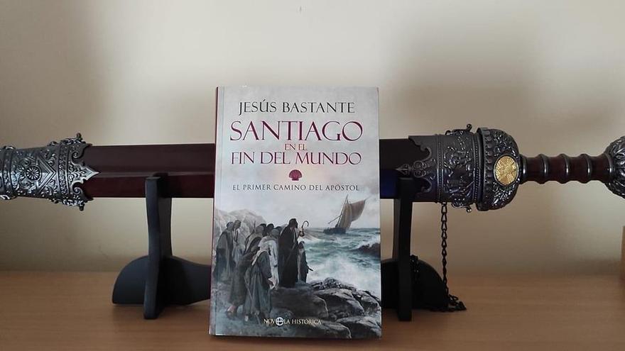 """""""Santiago en el fin del mundo"""", la última novela de Jesús Bastante, hoy en el Club Digital"""