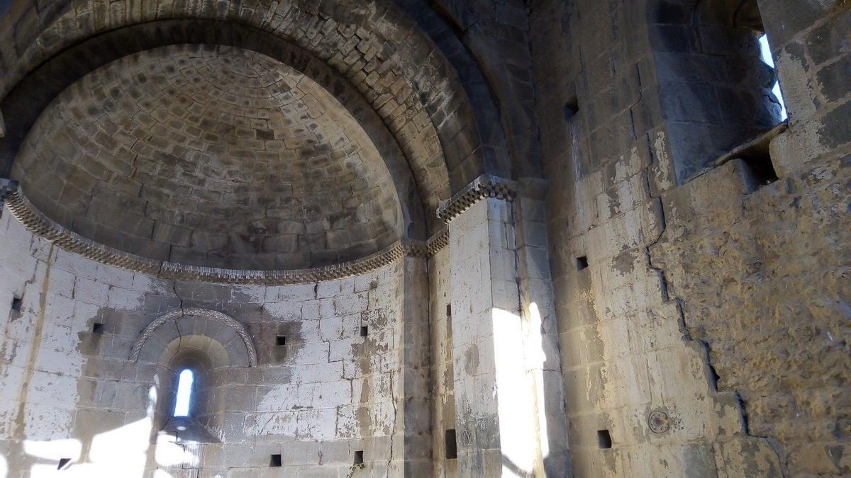 Ermita de San Nicolás de Ceñito, en en la Val d'Onsella (Sos del Rey Católico, Zaragoza)