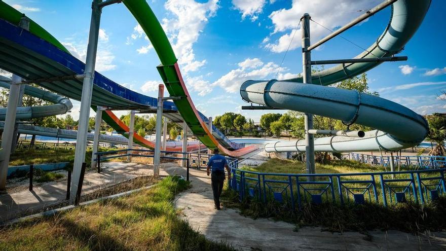 Diez inversores interesados en AquaBadajoz visitan el parque