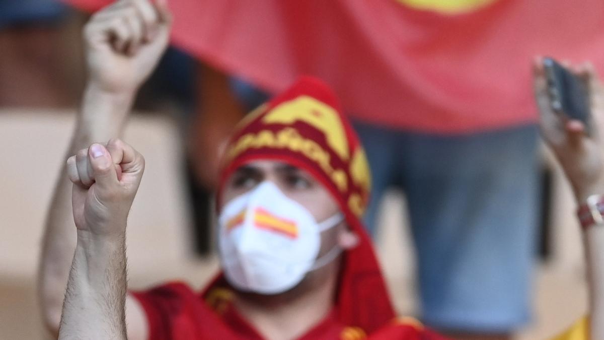 La Cartuja vibra en el partido decisivo de España