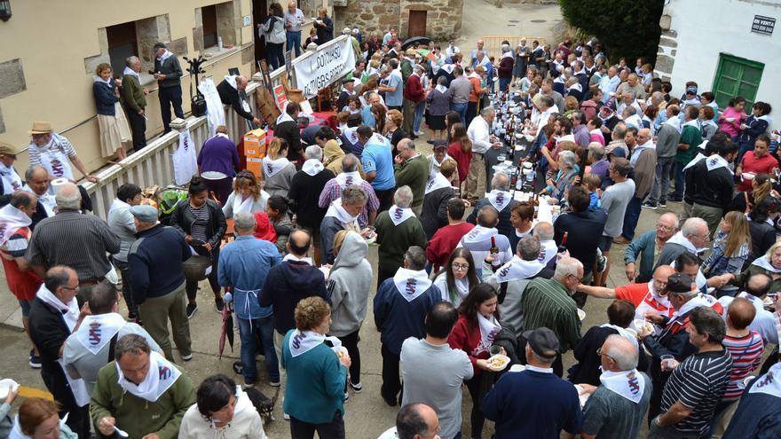 El concurso de migas de Porto de Sanabria homenajea a mujeres y pastores