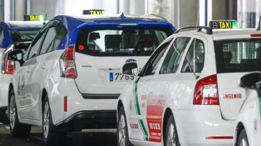 El tránsfer del taxi volverá de forma escalonada hasta un máximo de      20 viajes al mes