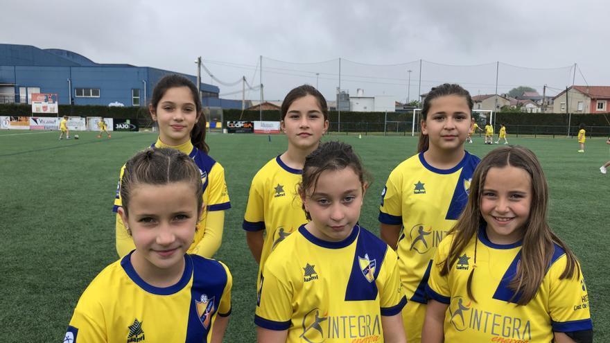 Las niñas de Siero roban el balón: el Berrón C. F. abre la primera escuela de fútbol femenino del concejo