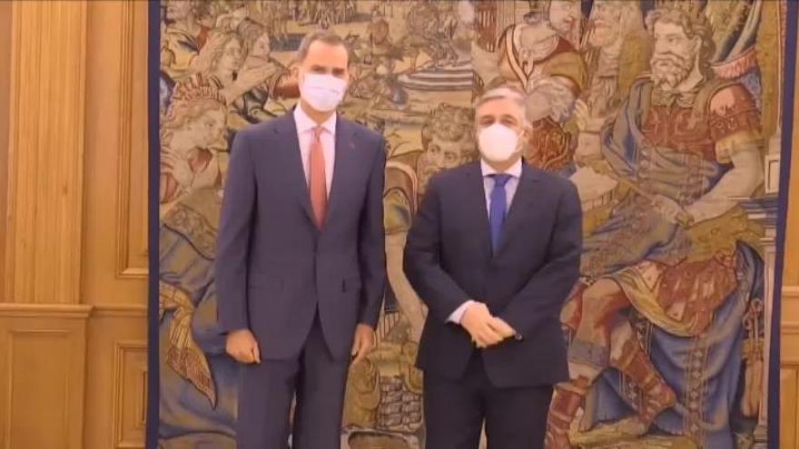 Felipe VI reaparece en público tras la salida de España de su padre